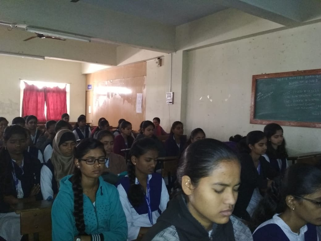 12-01-2019: Vipassana intro and Anapana training conducted at Institute of Technology diploma college, Hadapsar on 12 Jan. 144 students and 5 teachers attended.