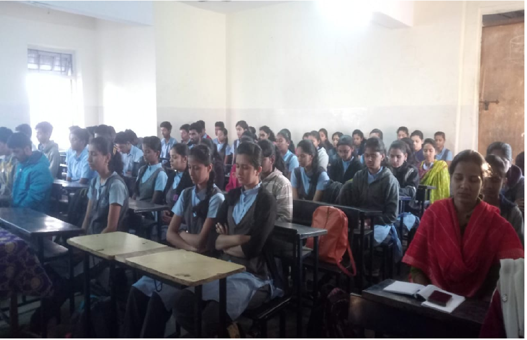 11-12-2018: Vimlabai Garware college for 12th students