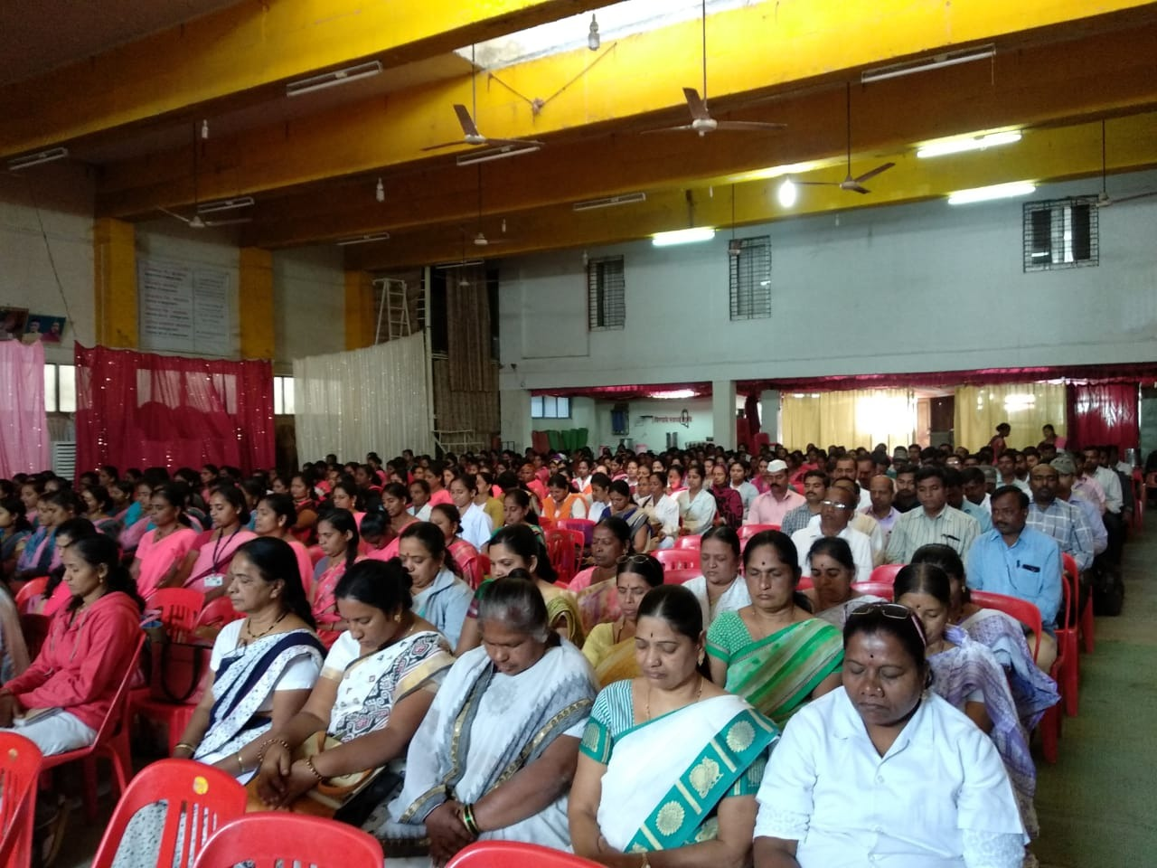 1/23/2019 Khed (Rajgurunagar)Vipassana Aanapan session is done today ( 23/1/2019 ) for Health departmentsTHO ,Asha workers , and their staff (appro. 350 participants)